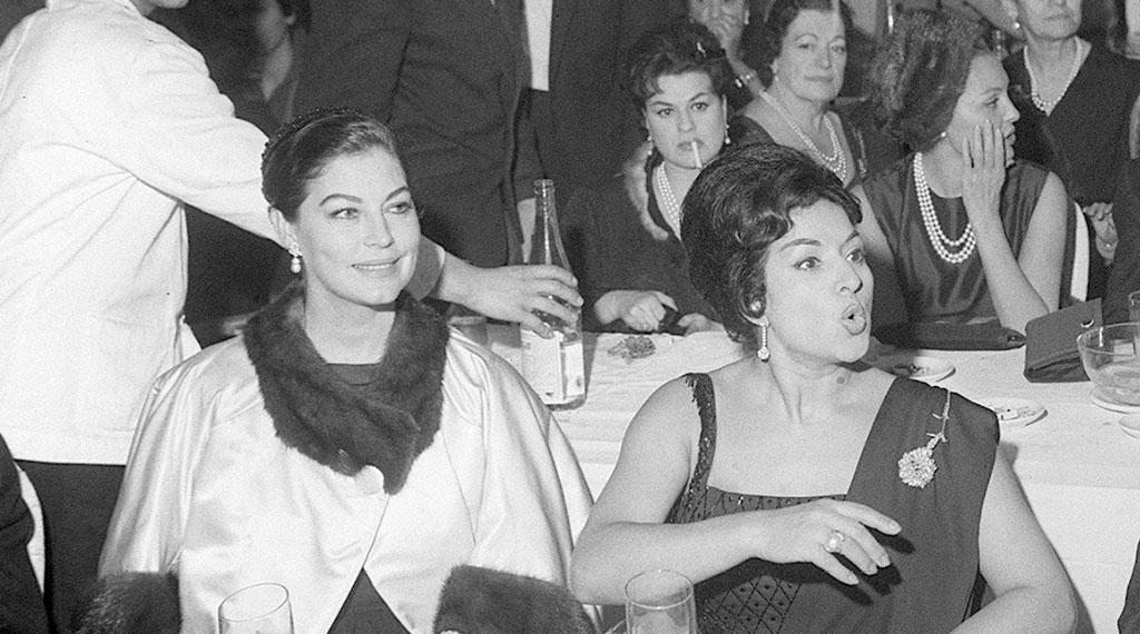 Ava Gardner con Lola Flores durante su estancia en España